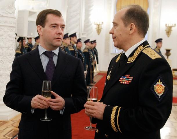 Прогульщик Нургалиев или анекдот от Медведева на Совбезе ...: http://superoofer.livejournal.com/388656.html