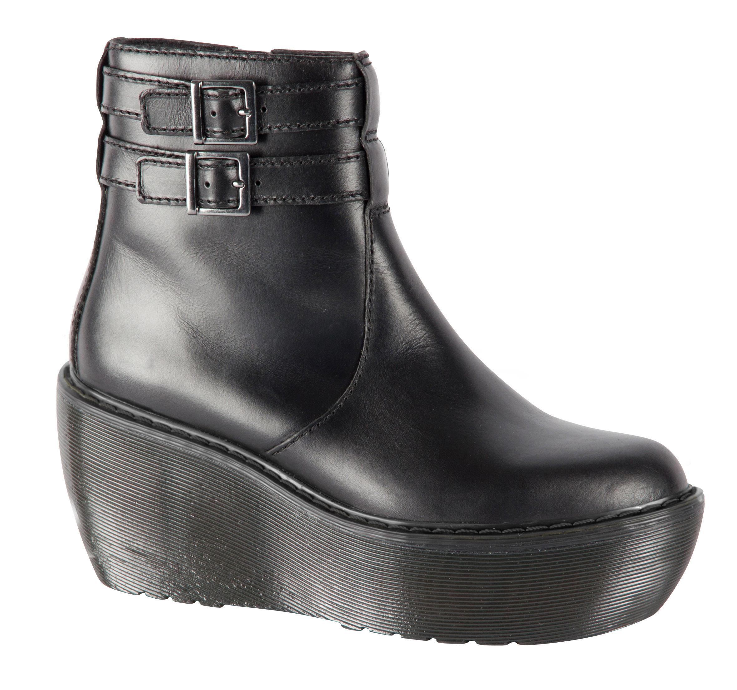 05-01 Caitlin Boot