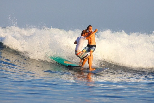 школа серфинга на Бали WINDY SUN с русскими инструкторами
