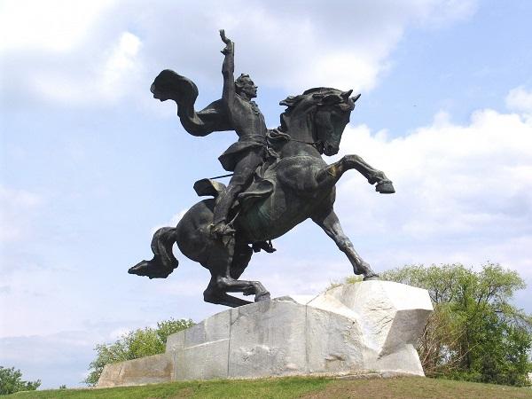 Pamyatnik-Suvorovu-1284462644_19