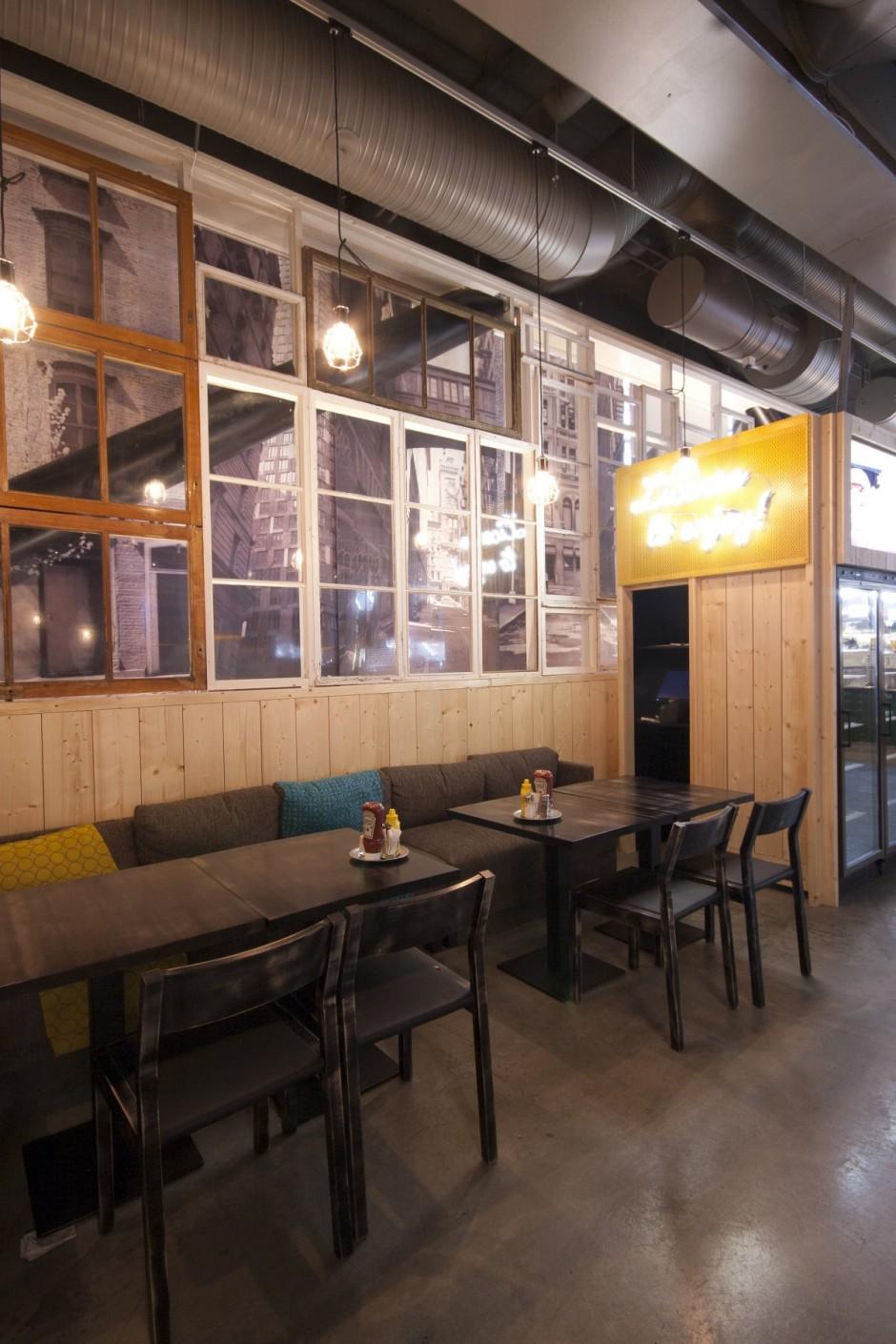 Смотреть интерьеры ресторанов
