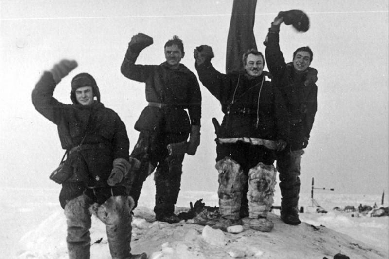 В честь кого называют улицы или демонстрация на Северном полюсе.