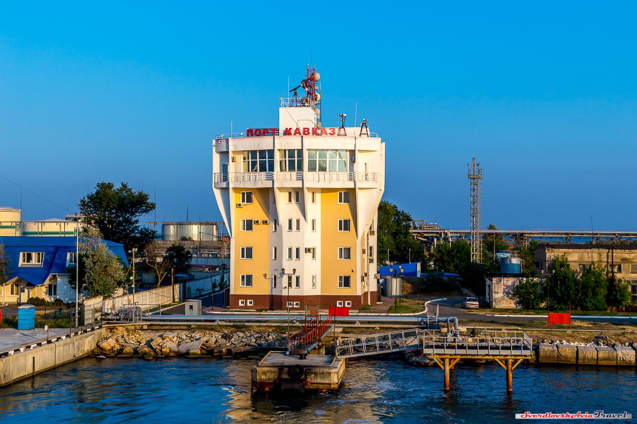 Чего лишил Крымский мост автопутешетсвенников? переправа, очереди, паромы, минут, площадки, сократились, Кстати, огромные, слева, отдыха, больше, сибирские, хипстеры, морское, московские, менеджеры, небольшое, напоминала, хапнули, нефтянники
