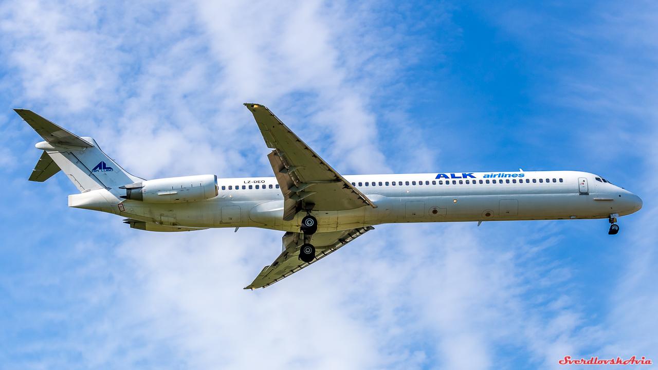 Американский длинномер. MD-82. Новый, среднемагистральный, новинку, такую, Пропустить, Douglas, McDonnell, фирмой, американской, разработанный, самолет, пассажирский, Кольцово, силуэт, приземлился, впервые, может, краях, наших, редкий
