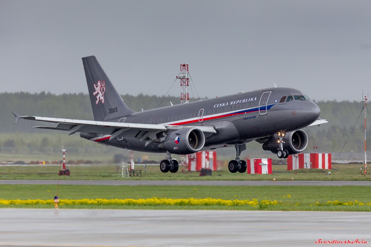 Военный самолет НАТО приземлился в Кольцово!
