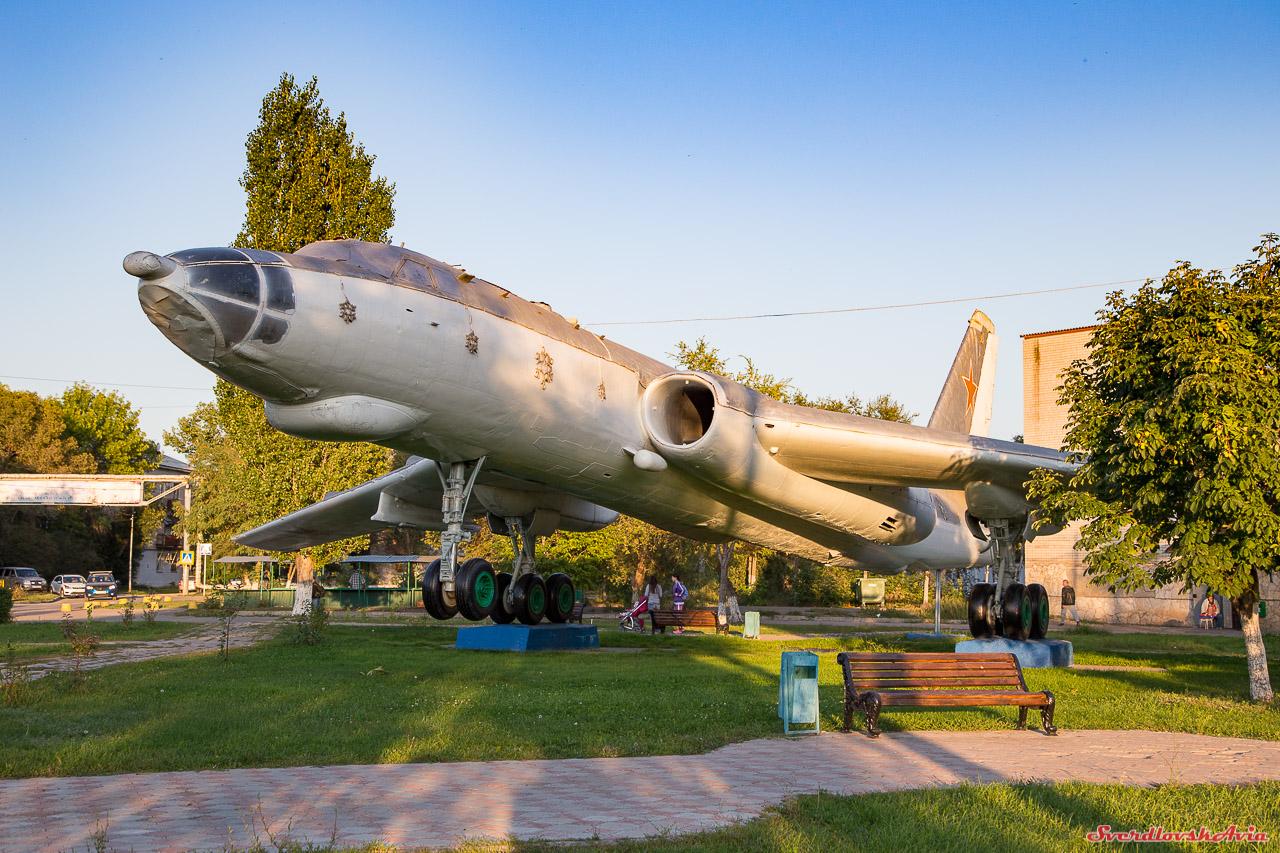 Мой любимый самолет. Ту-16 в Энгельсе.