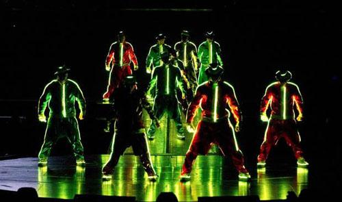 michael_jackson_cirque_du_soleil_immortal_world_tour_2