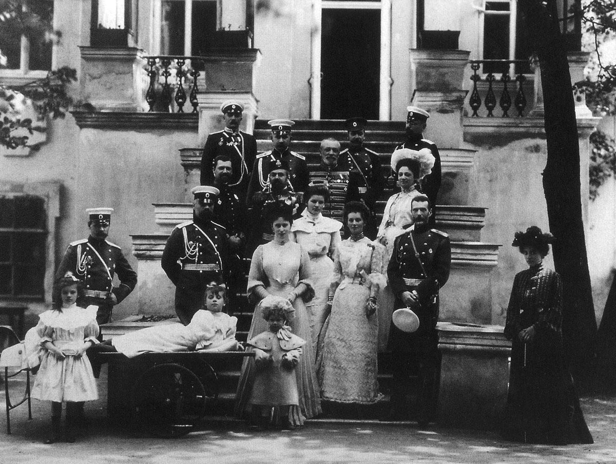 Великий князь Сергей_с супругой_свитой_друзьями_др.лицами_Орел_1904