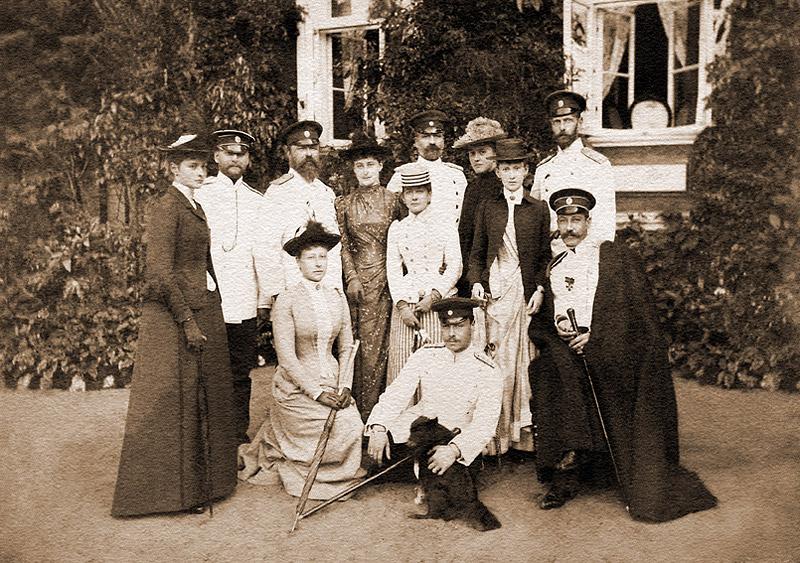 Великий князь Сергей_с супругой_ее родственники_свита_1890---