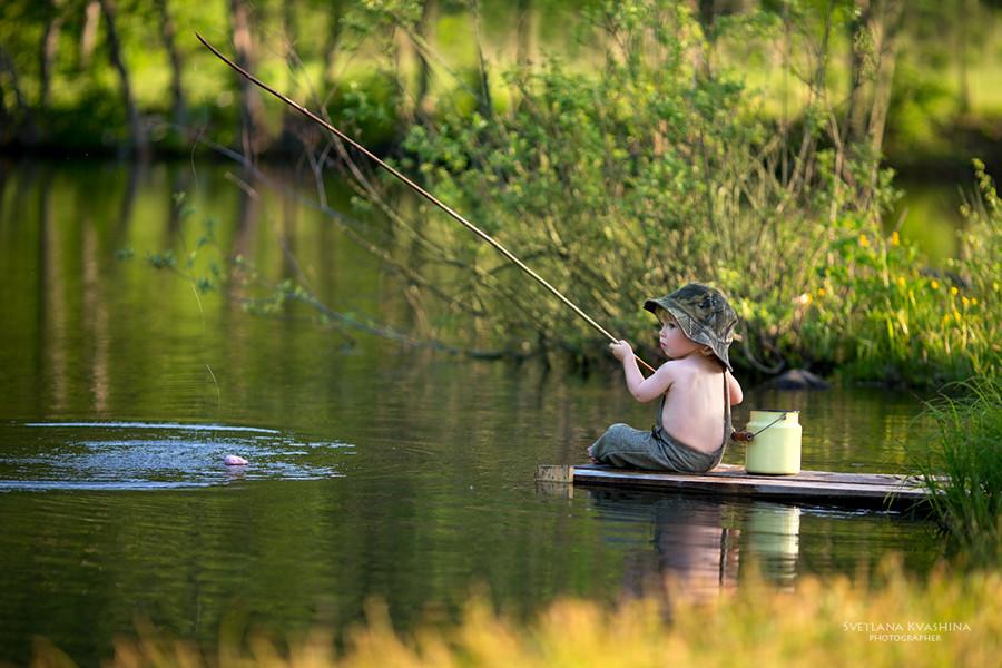 мальчик макс на рыбалке