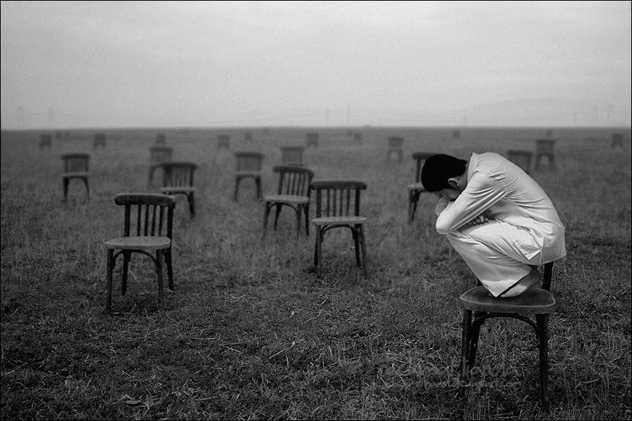 Грустно картинки с надписями про одиночество унижения