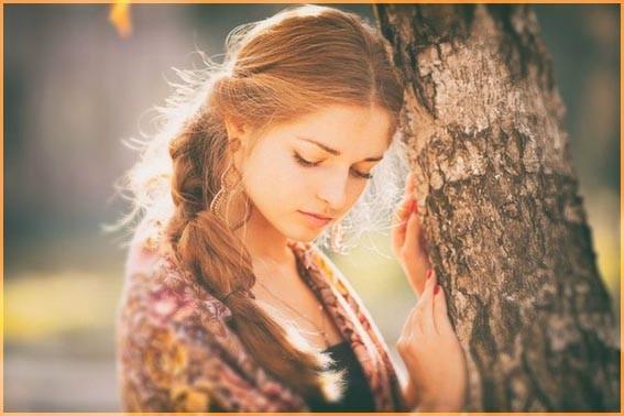 У дерева 4