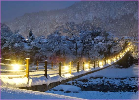 Мост с фонариками