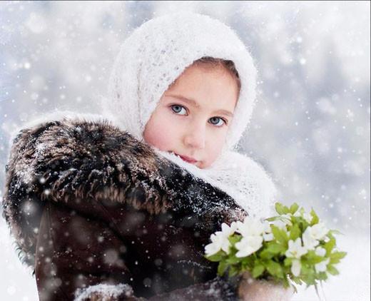 Зимой с букетом