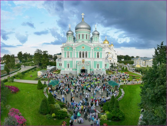 Троицкий собор в Дивеево 1