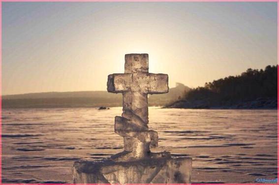 Крест из льда