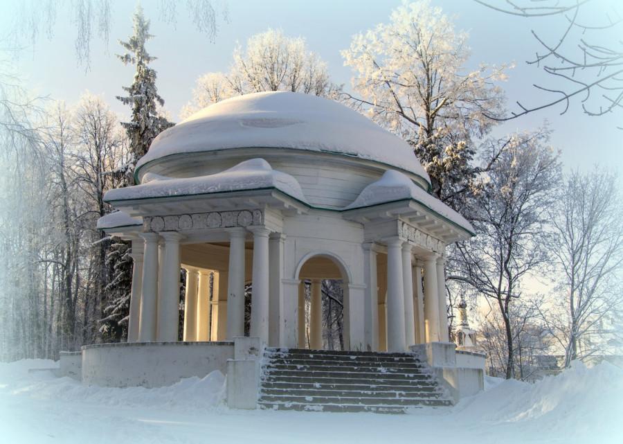 Ротонда в Александровском саду stroitelstvo-sudov.ru
