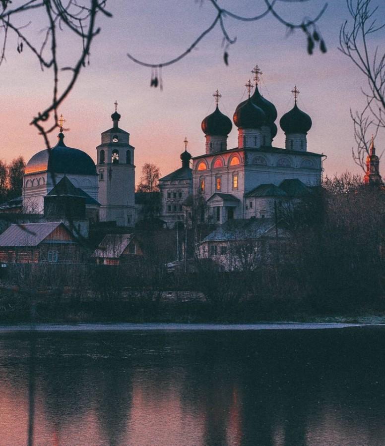Вид на Трифонов монастырь