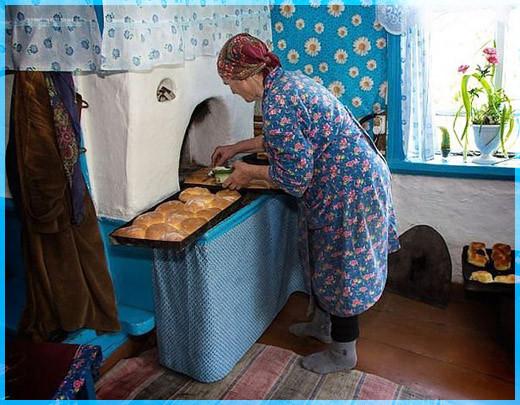 Мама у печи
