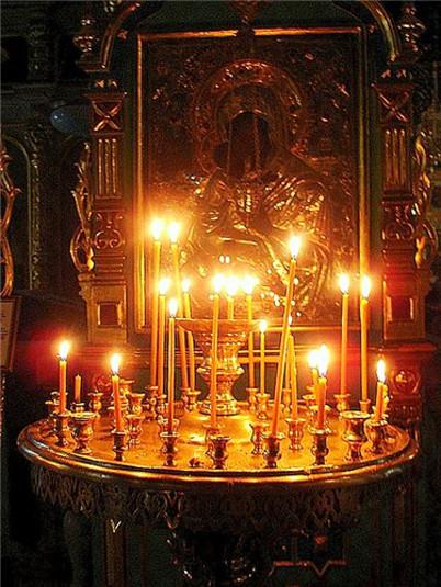 Свечи у иконы