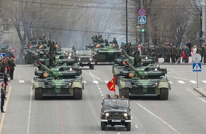 парад победы 2016 во владивостоке прямая трансляция организация перевозок легковыми