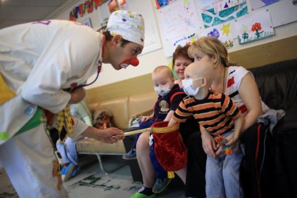 волонтеры с детьми 2