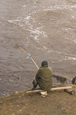 Псков. Рыбак на Пскове.
