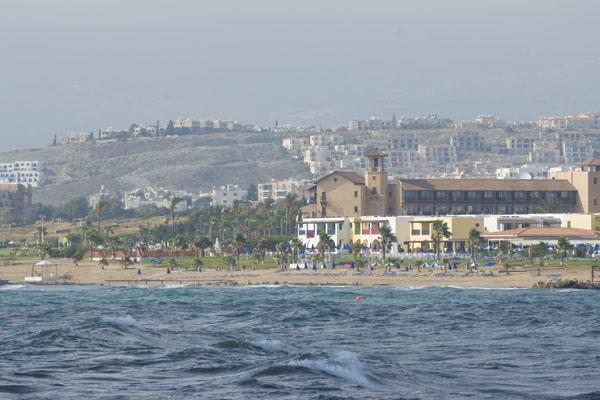 Пляж в Пафосе, Кипр.