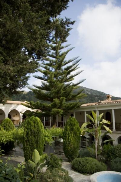 Монастырь Агиос Неофитос, Кипр.