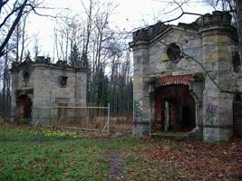 Красносельские ворота до реставрации. Ноябрь 2006.