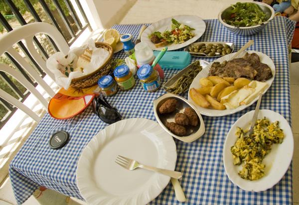 Обед на Кипре.
