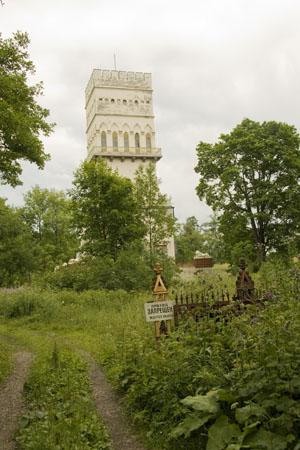 Белая башня, Пушкин, июль 2011.