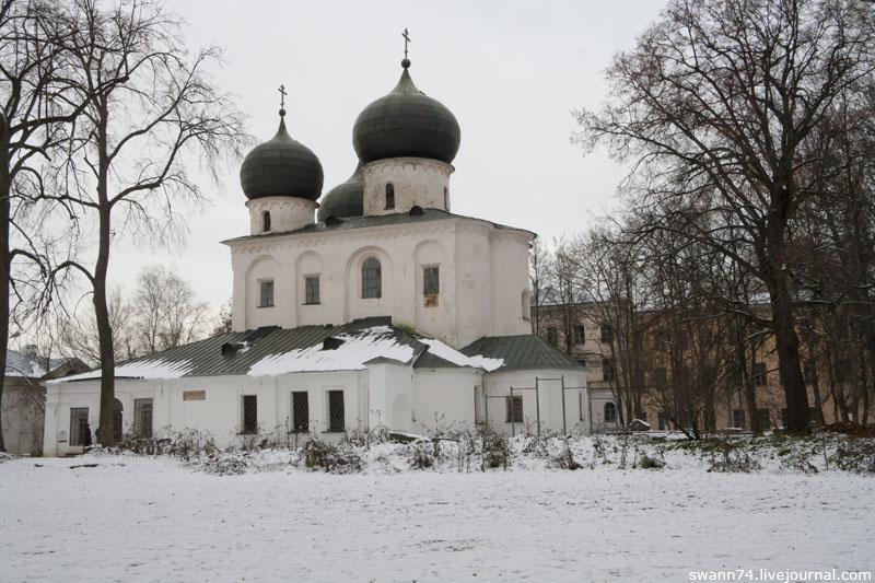 Антониев монастырь, Новгород, октябрь 2012