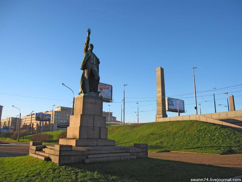 Памятник Володарскому, Петербург, ноябрь 2012