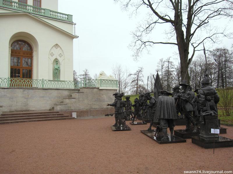 Ночной Дозор у Белой Башни в Пушкине, ноябрь 2012 год.