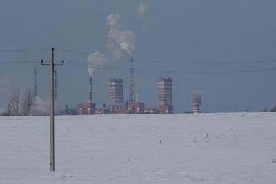 Вид на завод Акрон от монастыря.