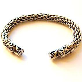 199e9ffa383f2f539da7928c1f2dcdc7--viking-dragon-dragon-bracelet.jpg