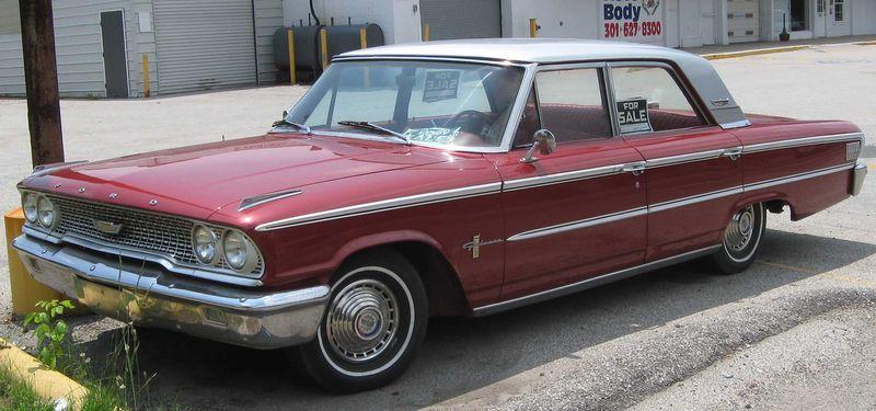 1963_Ford_Galaxie_sedan_2_--_06-05-2010