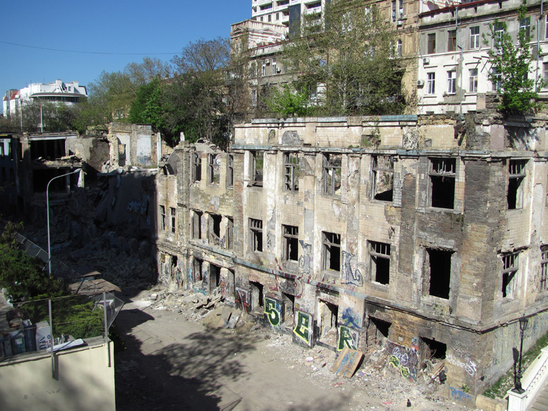 The brilliance and poverty of Odessa is pretty, Kotzebue, Bunin, Odessa, the descent seems to be ruins, streets, simply, by a bridge, here, right, street, descent, factory, Odessa, order, indeed, Novikova, name