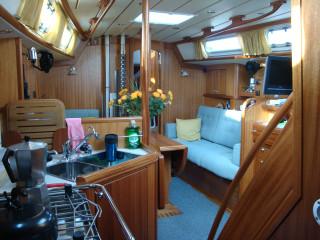 main cabin on Nereida April09