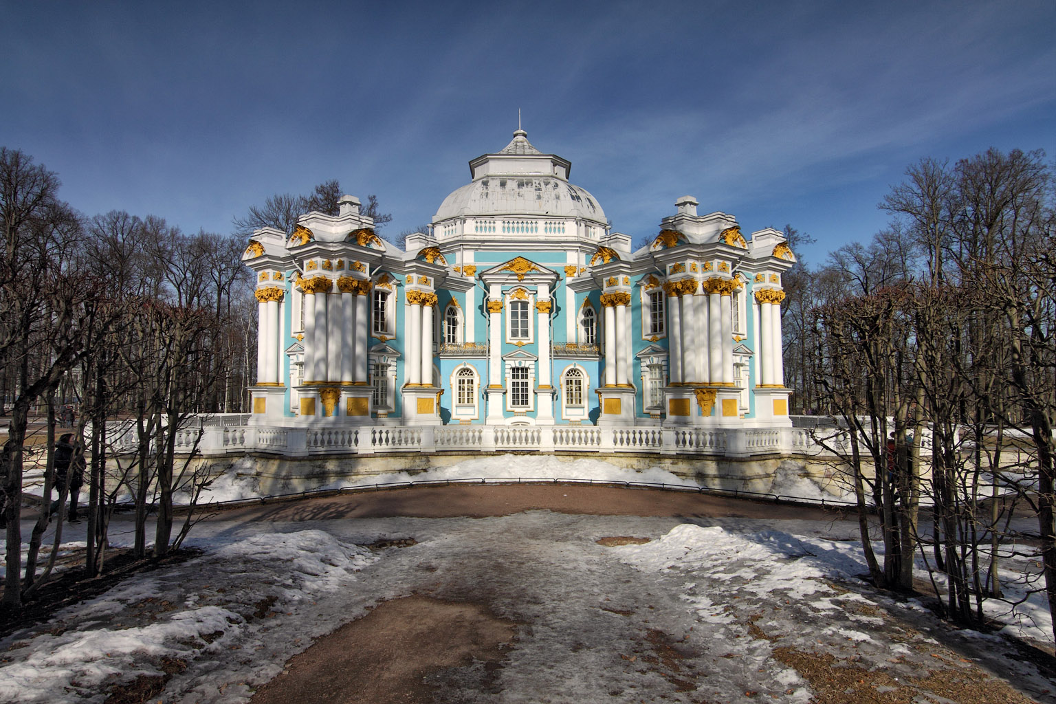 пушкин царское село весной фото