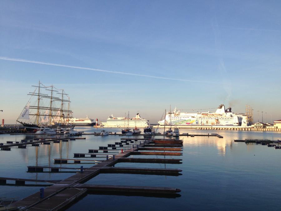 Круизные лайнеры в порту Сочи