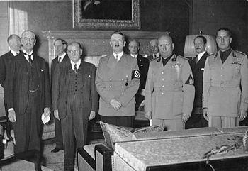 350px-Bundesarchiv_Bild_183-R69173,_Münchener_Abkommen,_Staatschefs