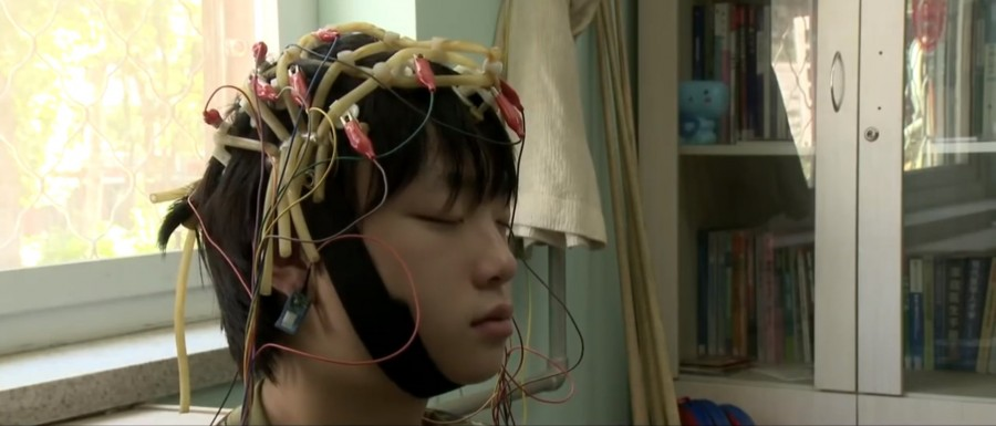 electrodes-on-childs-head