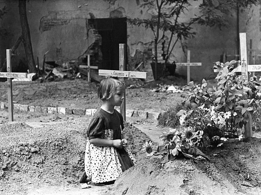 fot-sylwester-braun-ps-kris-cmentarz-na-ulicy-mazowieckiej
