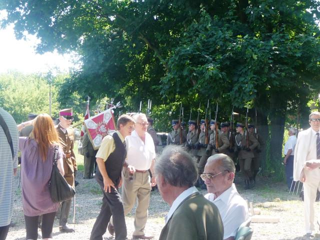 Волынский сквер. Ветераны и батальон Почётного Караула