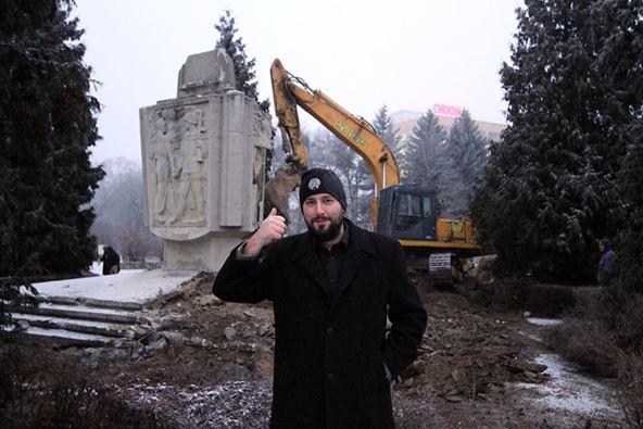 Цехоцинек. 30.12.2014. Снос памятника. 6