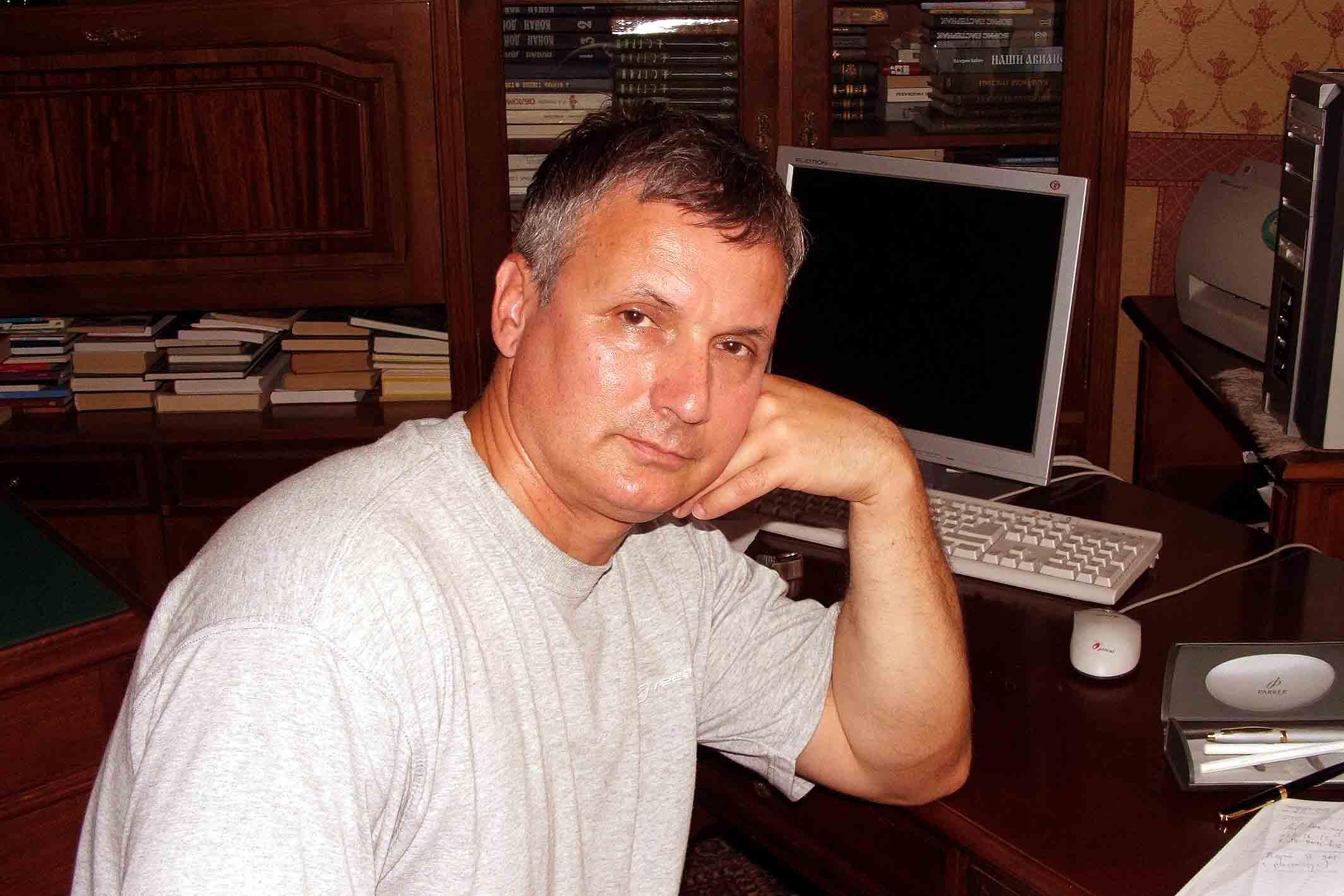 Писатель Александр Покровский