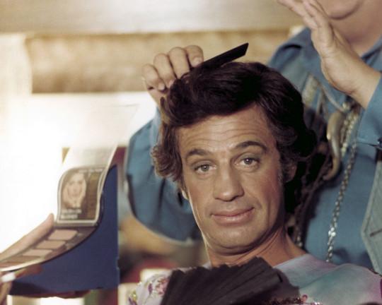 Жан-Поль Бельмондо в роли актёра-содомита в комедии «Чудовище»
