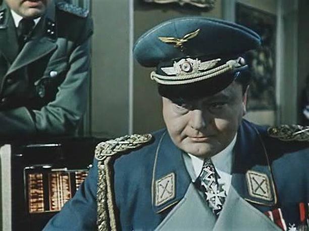 Геринг из Падение Берлина.jpg